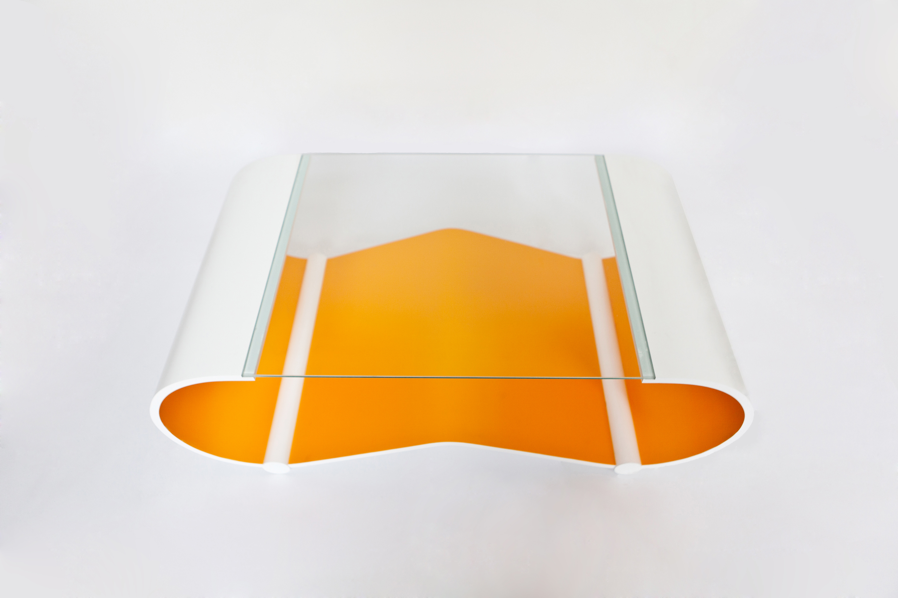 Curved line for Table design for debut